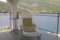 Apartment in Montenegro, Tivat: sunbathe on the balcony