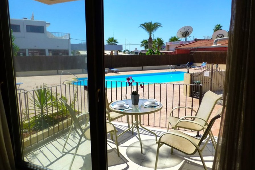 Apartment in Cyprus, Ayia Napa Harbor: Patio & Pool