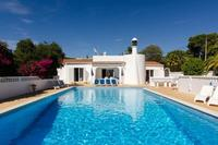 Villa in Portugal, Carvoeiro: Large pool and surrounding terrace