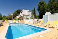 Villa in Portugal, Carvoeiro: Beautiful safety gated pool area