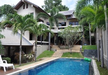 4 bedroom Villa for rent in Chaweng Beach