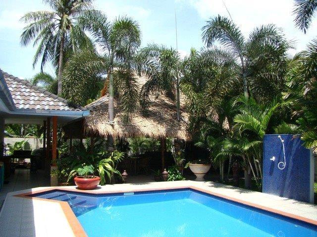 Villa in Thailand, PAK NAM PRAN: View of Pool and Dinning Area
