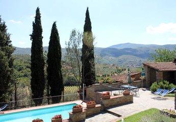 Villa in Italy, Castiglion Fiorentino: Villa Nightingale, Peaceful and Private Home in Tuscany
