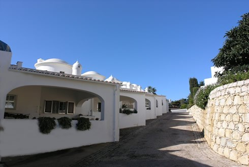House in Portugal, Carvoeiro: The small complex is well maintained and peaceful