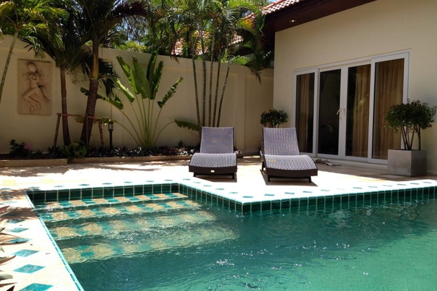 Villa in Thailand, Jomtien: Front with Private pool