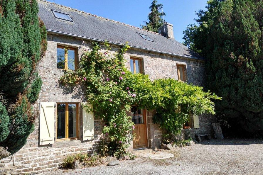Cottage in France, Langonnet
