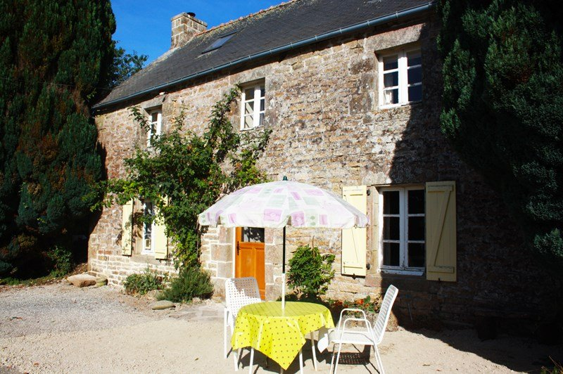 Cottage in France, Langonnet: Summer living in France