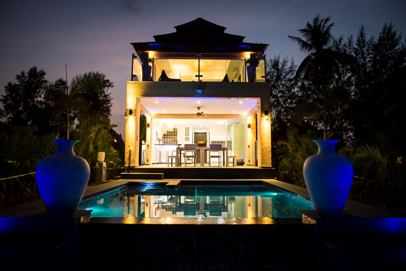 Villa in Thailand, Koh Chang: Palm Island Villa at dusk.