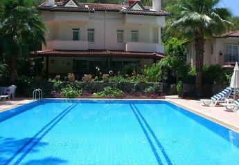 Villa in Turkey, Gocek: Late afternoon at the villas, Melissa (L) Papatya (R) Air-con bedrooms