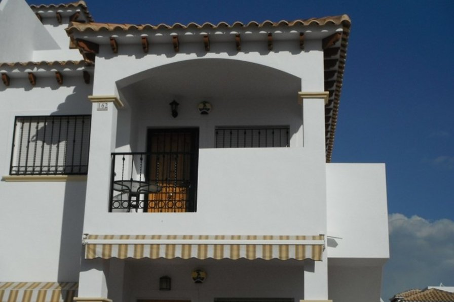 Owners abroad 2 bedroom, first floor apartment in La Cinuelica.