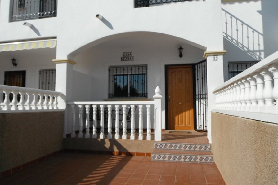 2 bedroom townhouse in La Cinuelica.