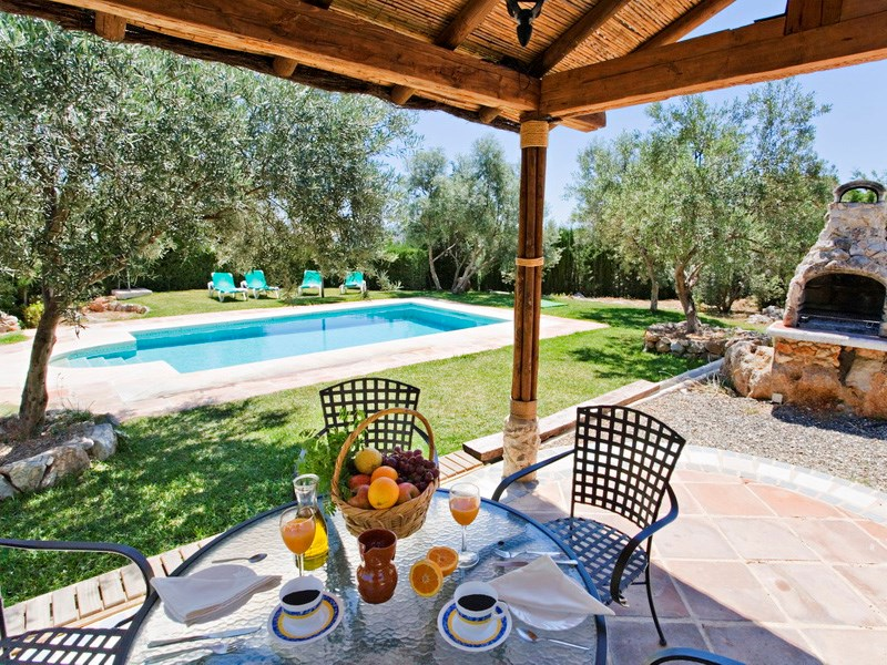 Villa in Spain, Alora, El chorro: Outside dining terrace and poolside bbq