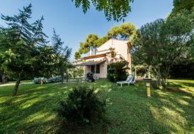 Villa Dyna