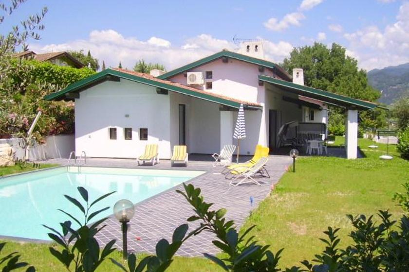 San Felice del Benaco Italy  City new picture : House in San Felice del Benaco, Italy with swimming pool | 123505