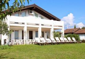 Villa Raina