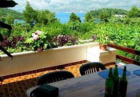Holiday flat for 4 persons on Korcula island