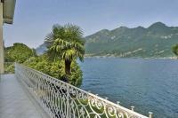 Villa in Italy, Lake Como: Picture 1 of Lakeside Como period villa with pool