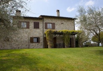 0 bedroom Villa for rent in Todi