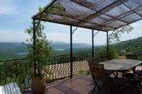 Villa in France, Var: Picture 1 of Charming France villa near Lake Cassien