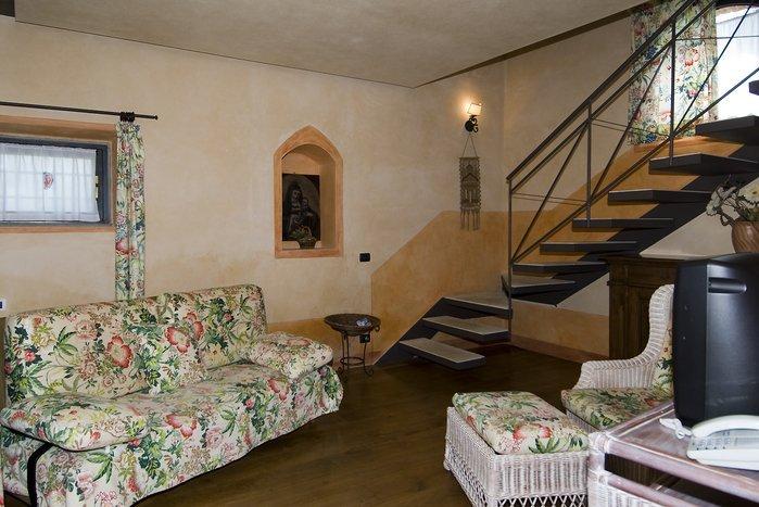 Villa in Italy, Cortine