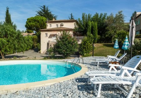 Villa in La Constance-Le Puy, the South of France