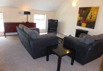 Apartment in Ireland, Kilkenny: Spacious Lounge