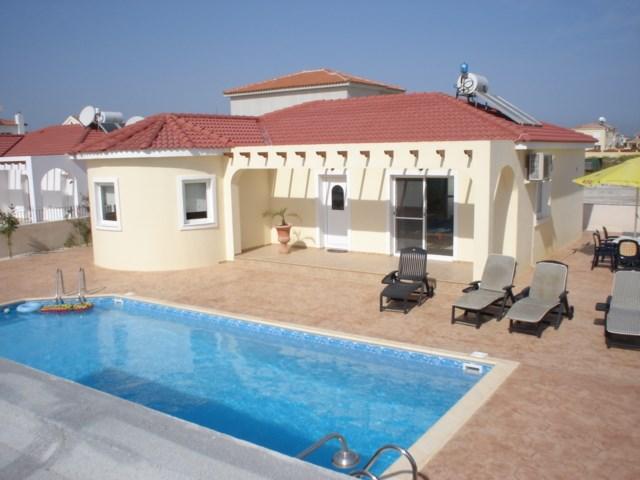 Villa in Cyprus, Ayia Thekla: Blueberries bungalow