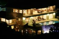 House in Thailand, Chaweng: View of the very substantial villa at night