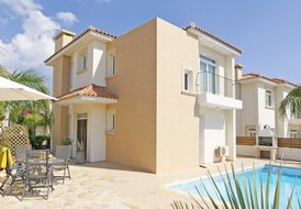 PRMEA41, 3 BEDS, Luxury Villa, Protaras Centre