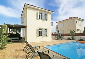 PRMEB9, 3 BEDS, Luxury Villa, Protaras Centre