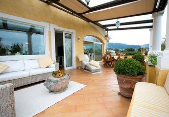 Apartment in Italy, Meta