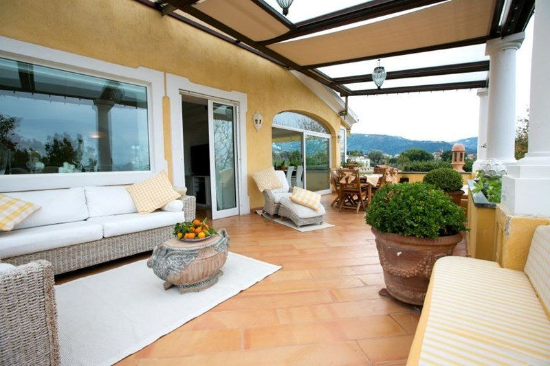 Owners abroad Spacious and elegant 3 bedroom apartment near Sorrento