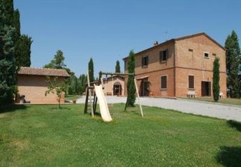 4 bedroom Apartment for rent in Montepulciano