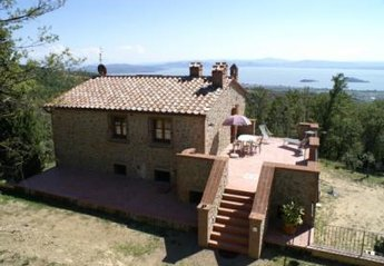 4 bedroom House for rent in Tuoro sul Trasimeno
