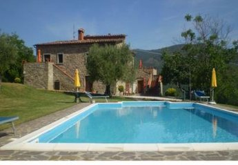 6 bedroom House for rent in Lisciano Niccone