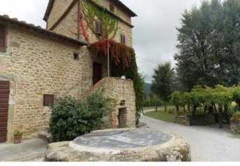 4 bedroom House for rent in Cortona