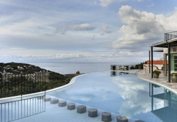 6 bedroom Villa for rent in Kyrenia