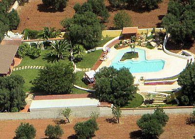 Villa in Italy, Serranova di Carovigno: aerial view