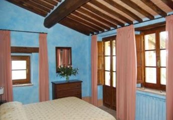Apartment in Italy, San Casciano dei Bagni: Picture 1 of Image 1