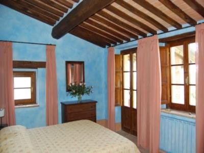 Apartment in Italy, Sarteano: Picture 1 of Image 1