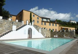 GIRASOLE APT for 2+1 sleeps with outdoor&indoor pool, gym & sauna