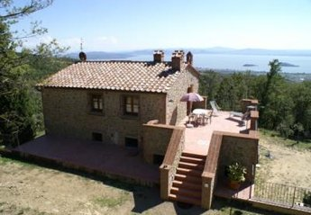 2 bedroom House for rent in Tuoro sul Trasimeno