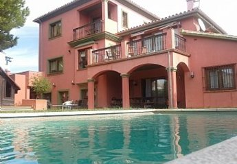 7 bedroom Villa for rent in Las Chapas