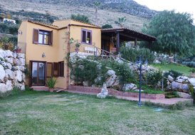 Villa Anastasia for 8 people with garden and sea view