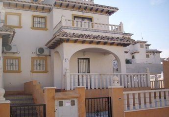 3 bedroom Villa for rent in Villamartin