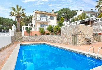6 bedroom Villa for rent in Serra Brava