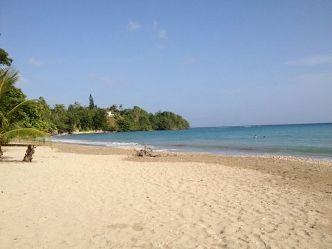 Villa in Jamaica, Boscobel St Mary: walk to our local beach in under 5 minutes