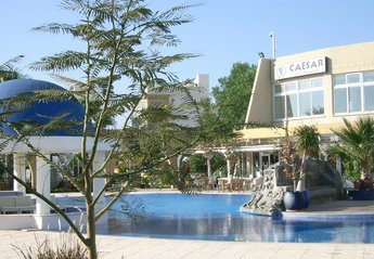 Apartment in Cyprus, Bogaz: Cafe and pool