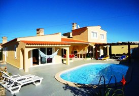 PTV4 Canelas- 4 bedroom house w/ pool, snooker,table tennis