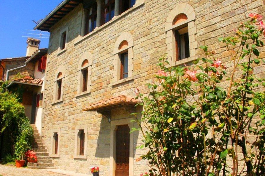 Villa in Italy, Caprese Michelangelo: Villa Gentili front